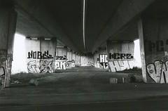 Unter der Brcke (Turikan) Tags: street art 50mm stand nikon dev e 400 series rodinal brcke dortmund fa oder fomapan schmiererei