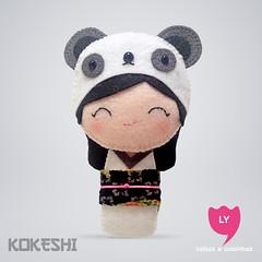 3885 (lycoisasecoisinhas) Tags: white branco happy panda felt lucky japo boneca kokeshi tranquilidade sorte lycoisasecoisinhas