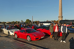 Place de la Concorde - Paris (France) (Meteorry) Tags: morning boy red people paris france tower cars rouge europe ledefrance meetup sunday crowd eiffel ferrari sneakers trainers september toureiffel concorde baskets adidas dimanche idf placedelaconcorde voitures matin 2015 stansmith carporn meteorry