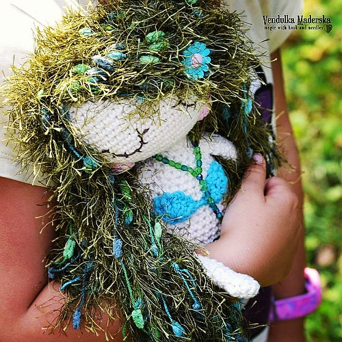 Francesca, the mermaid 💜🐚🐬🐠 #patternisready #crocheting #crochetdoll #doll #dollpattern #handmadedoll #mermaid #crochetingmakesmehappy #crochet #crochetaddiction #vendulkam #vendulkampattern #newpattern #crochetwit