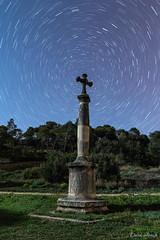 Circumpolar en la Creu del Terme de Jorba (MrDaVidU) Tags: estrellas nocturna catalunya catalua startrails anoia circumpolar jorba estrellapolar credeltermedejorba creudelterme