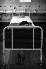 Randolectil III (Rainer ) Tags: bw bed bett belgium belgique belgie bn sw ghent gent gand gante belgien vlaanderen oostvlaanderen flandre museumdrguislain rainer xf18135 psychiatrischcentrumdrguislain randolectil