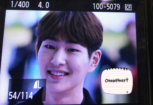 160328 Onew @ '23rd East Billboard Music Awards' 26012415442_b016dc0a70_z