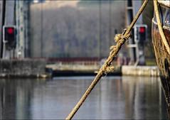 Ecluse d'Ittre (Bief d'amont) (chando*) Tags: boat canal belgium belgique lock rope bateau pniche barge wallonie amarre forebay brabantwallon mooringline canaldecharleroi clusedittre