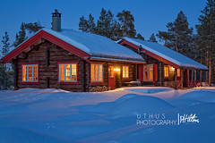Timber cabin Exterior 2 May 2016 (Uthus Photography) Tags: winter snow norway log cabin dusk timber bluehour odin mitros phottix camranger