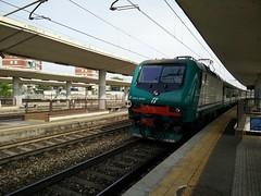 E464.529 RGV 2511 a Lingotto FS (simone.dibiase) Tags: train torino trains porta 2511 treno 529 nuova stato trenitalia lingotto treni dello veloce ferrovie regionale e464 xmpr
