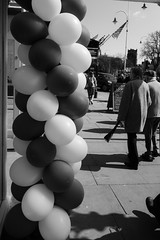 Black and white balloons... (tabulator_1) Tags: balloons blackwhite streetphotography southport