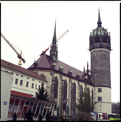 Schlosskirche (BLKYRD) Tags: 120 6x6 canon fuji superia sightseeing bronica 400 expired wittenberg 80mm c41 schlosskirche sekonic sqai castlechurch lutherstadtwittenberg 8800f