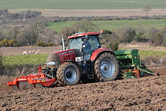 Case IH Puma 160 Tactor with a Twose PF1-300 Premium Front Press, an Amazone AD303 Seed Drill & Power Harrow (Shane Casey CK25) Tags: county ireland horse irish plant field set work pull beans hp nikon traktor power earth farm cork farming working cereal machine seed ground front case machinery soil dirt till crop crops farmer puma agriculture dust press setting soya cereals pulling contractor premium planting sow drill tracteur trator midleton ih horsepower harrow tilling drilling trekker 160 amazone sowing cnh agri tillage twose cignik traktori tactor ad303 d7100 casenewholland pf1300