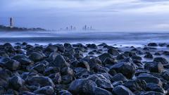 Waiting for the sun (BAN - photography) Tags: ocean longexposure cloud skyline rocks surf boulders shore daybreak surfersparadise hirise burleighheads d810