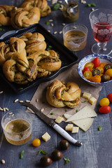 IMG_5987_exp (Helena / Rico sin Azcar) Tags: cheese bread queso basil pan pesto brioche albahaca