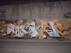 374 (en-ri) Tags: parco muro wall writing torino graffiti ghost dora crew arrow rosso bianco fantasma piove lme puf waks
