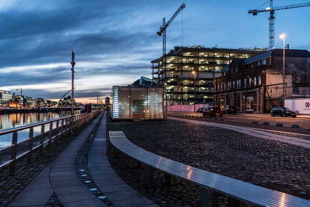DUBLIN DOCKLANDS AT NIGHT [JANUARY 2016]-110808