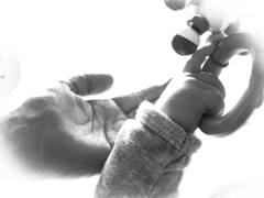My Real Fortune  #GoodFortune (nicoheinrich86) Tags: life family bw baby hands klein flickr little sony familie dream young fortune kind tiny friday vignette hnde 2016 sugling goodfortune beuatiful hx400v vgnettierung