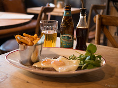 Lunch @ Limeyard (SimplSam) Tags: food lunch lumix chips panasonic steak eggs g7