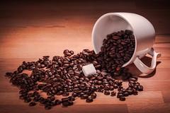 Coffee and Sugar (Leif79) Tags: cup coffee nikon beverage kaffee sugar product getrnk bohnen d610 strobist produktfotografie
