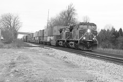 Grey elephants (MILW157) Tags: pacific sub rail canadian cp watertown 198 duplainville
