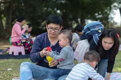 BM7Q4307.jpg (Idiot frog) Tags: park family boy sunlight cute boys field grass kids children happy daylight picnic child outdoor bade happiness sunbath daytime joyful taoyuan happyhour hangout ecosystem