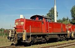295 024  Lbeck  23.09.06 (w. + h. brutzer) Tags: analog train germany deutschland nikon eisenbahn railway zug trains db locomotive lbeck 291 lokomotive 295 diesellok eisenbahnen v90 dieselloks webru