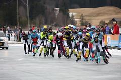 Weissensee AET 2016 - damespeloton twee ronden voor finish (Andrea van Leerdam) Tags: winter austria oostenrijk weissensee ijs schaatsen peloton natuurijs aet2016