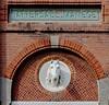 Tattersall -Manege Scheveningen (Roel Wijnants) Tags: scheveningen antwerpen hoboken manege handel paarden gevel ndr veiling versiering decoratie roel1943 roelwijnants paardenhoofd vanstolkpark mooidenhaag roelwijnantsfotografie wandelvangst tattersallmanege abrahamvanhobokenvanhoedekenskerke