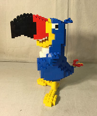 Kellogs Toucan Sam Display with Box profile (minifigpriceguide.com) Tags: lego kelloggs