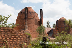 Mekong kiln compositions (10b travelling) Tags: river asian asia asien southeastasia vietnamese bricks delta vietnam asie brickworks kiln mekong indochine indochina mytho buildingmaterials 2015 bentre tenbrink carstentenbrink iptcbasic 10btravelling