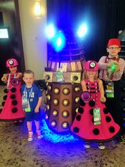 2016-04-23 11.31.20 (Munchkin Cosplay) Tags: who dr drwho dfw whovian kidscostumes whofest kidscosplay whofestdfw whofestdfw2016 dfwwhofest3