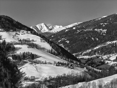 Het kan nog net (Geert Theunissen) Tags: winter bw snow monochrome austria oostenrijk sterreich schwarzweiss steiermark styria murau winterlandscape ranten schder rineg