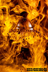 in flames (michaelfritze) Tags: wasser bubbles drop splash liquids highspeed wassertropfen tropfen tats highspeedphotography fontne liquidart strobist farbtropfen hochgeschwindigkeitsfotografie liquiddrop stopshot michaelfritze