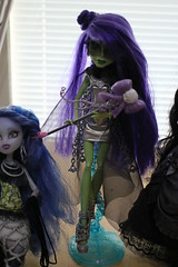Superheroine Bewitched (Freyrferret) Tags: monster high witch ooak bewitched superheroine
