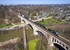 CSX Q008 in Sidney, Ohio (Brandon Townley) Tags: railroad bridge ohio river arch unitedstates trains sidney csx big4 archbridge greatmiami