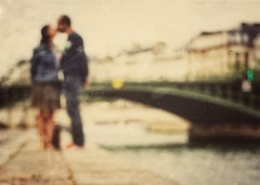 Celebrate (Mister Blur) Tags: bridge wedding moon blur paris nikon kissing couple anniversary celebration laseine tenth d7100 theblurs