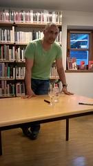 Presentaci Feliz y con ahorros d'Omar El Bachiri - 28-04-2016 (Biblioteca Nacional d'Andorra) Tags: biblioteca omar nacional andorra llibres presentacions difusi elbachiri felizyconahorros