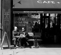 Cafe Society Covent Garden style (IanAWood) Tags: london coventgarden westend londonstreetphotography walkingwithmynikon nikondf nikkorafs58mmf14g