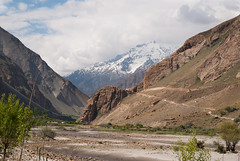 6 thousand meters peaks above us (Michal Pawelczyk) Tags: trip holiday afghanistan mountains bike bicycle june nikon asia flickr aim centralasia pamir afganistan gory wakacje 2015 czerwiec panj azja d80 pamirhighway gbao azjasrodkowa azjacentralna