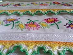 KikaBordados Kika  Krauss 040 (Kika Bordados by Angelica Krauss) Tags: flowers flores handmade embroidery crochet towel artes emboidery artesanatos croche embroider toalhas feitoamo feitomo kikabordadoskikakrauss