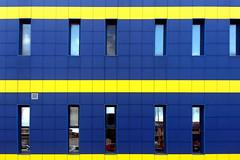 Wall (Rafael Pealoza) Tags: blue italy yellow wall mall catchycolors italia calabria siderno catchycolorsyellow catchycolorsblue lagru 24ccfbt