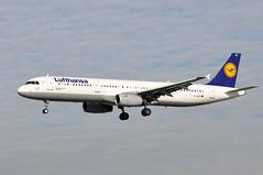 D-AISU   BCN (airlines470) Tags: airport bcn msn lufthansa a321 4016 daisu a321231