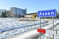 Bremstraat en Speenkruidflats, Assen (Harmen de Vries) Tags: winter snow nikon sneeuw drenthe assen d5500 bremstraat assenoost nikonafsnikkor18300mm13563ged pss:opd=1453054318