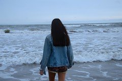 (Lourdes Jubete) Tags: ocean cold argentina girl nikond7000