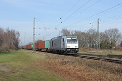 D-loc DE801(Empel-Rees 28-2-2016) (Ronnie Venhorst) Tags: road railroad sport yard train canon de deutschland eos rebel diesel outdoor d eisenbahn rail railway zug bahnhof cargo container railwaystation vehicle locomotive loc t3 805 bahn rees trein spoor duitsland 1100 spoorwegen bombardier lok 801 treinen traxx spoorweg 2016 diesellok emmerich empel dloc dieseltrein emmerik dieselloc goederentrein 1100d materieel containertrein dlok de801 empelrees dieselmaterieel eos1100d spoormaterieel eos1100
