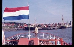 (Kaopai) Tags: travel holiday haven color tourism port harbor meer ship flag dia insel porto ameland hafen ferien flagge fhre tourismus farbfoto 1970er 1970th farbdia