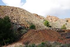 Huella minera 8240 (Gabriel Navarro Carretero) Tags: landscape mine minas stones paisaje mining piedras airelibre minerales minera launin sierraminera
