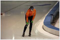 Margot Boer, preparing for the 2nd 500 Meter Ladies (Dit is Suzanne) Tags: netherlands availablelight nederland heerenveen speedskating thialf views50 img5690  beschikbaarlicht canoneos40d langebaanschaatsen margotboer  sigma18250mm13563hsm  ditissuzanne    margotboerov 12032016 essentisuworldcups20152016 500meterladies  isuworldcupheerenveenfinalsmarch11132016