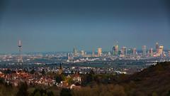 Frankfurt von Kronberg aus (pixelclublahntal) Tags: am frankfurt main mainhattan