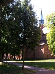 Am Kloster Lehnin, Brandenburg ... (bayernernst) Tags: park deutschland kirche september brandenburg klosterkirche 2013 lehnin klosterlehnin snc16987 07092013
