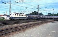 141 035  Würzburg  08.06.94 (w. + h. brutzer) Tags: analog train germany deutschland nikon eisenbahn railway zug trains db locomotive würzburg 141 lokomotive elok e41 eisenbahnen eloks webru