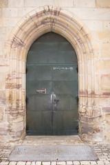 Arched castle doorway (quinet) Tags: door castle germany porte schloss chteau tr 2012 castleroad burgenstrase