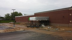 Just when I thought exterior work was slowing down... (Retail Retell) Tags: county retail project construction ms marketplace desoto expansion kroger hernando v478